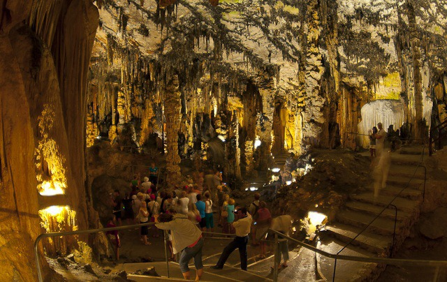 Чудните творения на природата - пещерите Драк и Аамс