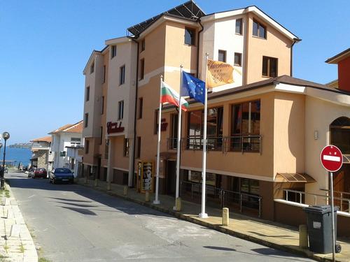 Почивка в Созопол, България - хотел Хотел Чучулев 3•