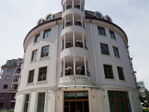 Почивка в Св. св. Константин и Елена, България - хотел Хотел Кристел 4•