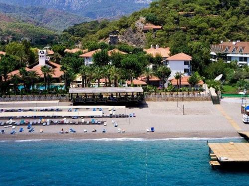 Почивка в Кемер, Турция - Larissa Club Akman Park 4 * хотел 4•