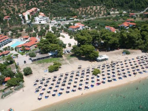 Почивка на Ситония, Гърция - хотел Lagomandra Beach hotel 4•