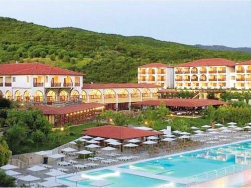 Почивка на Атон, Гърция - хотел Akrathos Beach hotel 3•