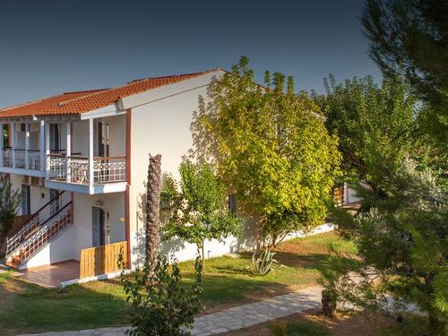 Почивка на Ситония, Гърция - хотел Coral Blue Beach Hotel 3•