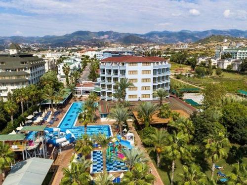 Почивка в Алания, Турция - хотел Club Hotel Caretta Beach 4 * 4•