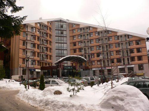 Почивка в Боровец, България - хотел Флора Апартаменти - основна сграда 2•