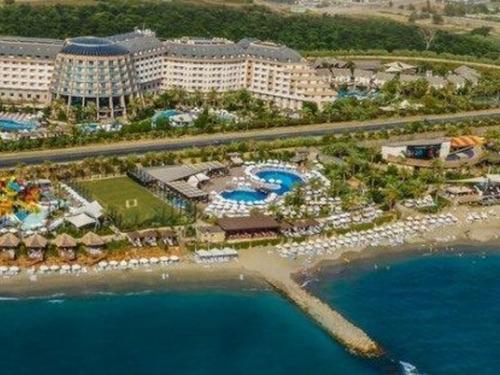 Почивка в Алания, Турция - хотел Long Beach Resort Hotel & Spa Deluxe 5 * 5•