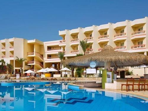 Почивка в Шарм Ал Шейх, Египет - Hilton Sharm Sharks Bay 4 * хотел 4•