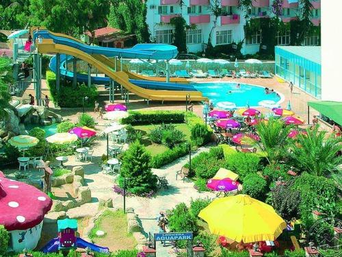 Почивка в Алания, Турция - Lonicera World 4 * хотел 4•