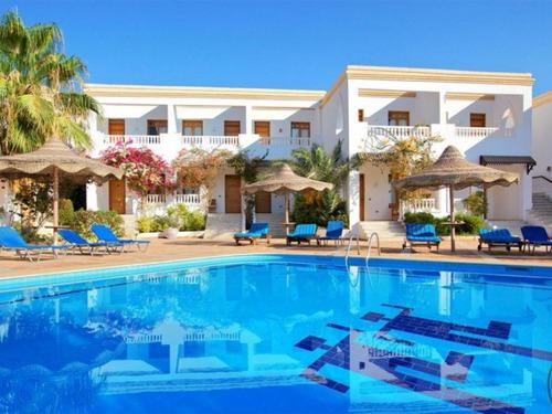 Почивка в Шарм Ал Шейх, Египет - Club Reef 4+ * хотел 1•