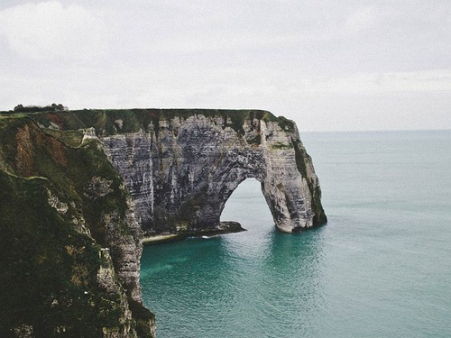 Екскурзия Париж и разцъфналия бряг на Нормандия - 6 дни