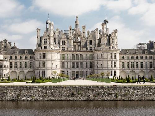Екскурзия Париж - Мон сен Мишел - Замъци по Лоара - Лион - Торино - 7 дни