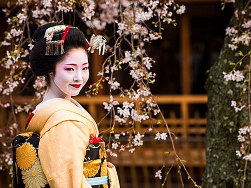 Великден в Япония - когато пролетта цъфти!